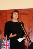Dawn McKen  nagykövet helyettes asszony
