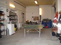 A 2-es szerállás, ping-pong asztallal